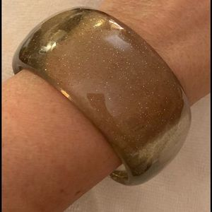 VTG Clear Gray Wide Lucite Bangle w/Silver Flakes